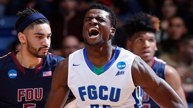 Florida Gulf Coast kicks off NCAA tournament with blowout win over Fairleigh Dickinson IMAGE