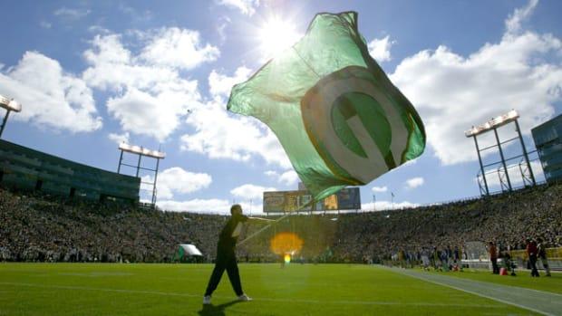 green-bay-packers-flag.jpg