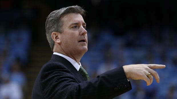 Tulane upsets Houston, despite reports of coach Ed Conroy being fired--IMAGE
