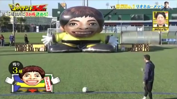 Mustard Minute: Lionel Messi shoots goals against inflatable Messi on Japanese TV IMG