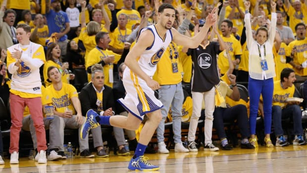 With Steph Curry still questionable, Klay Thompson leads Warriors - IMAGE