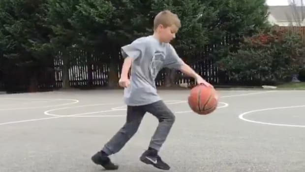kid-stephen-curry-dribble-moves.png