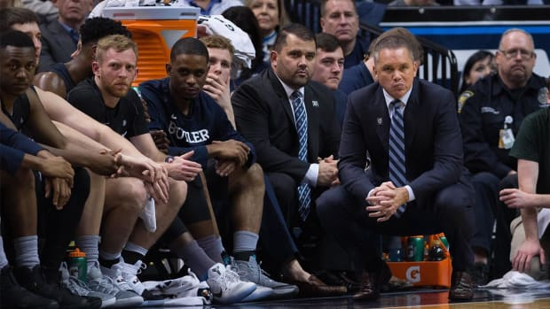 Butler basketball team feared for life after plane lost cabin pressure - IMAGE