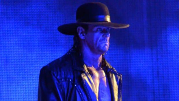 the-undertaker-deadlifting-video-wrestlemania-32.jpg
