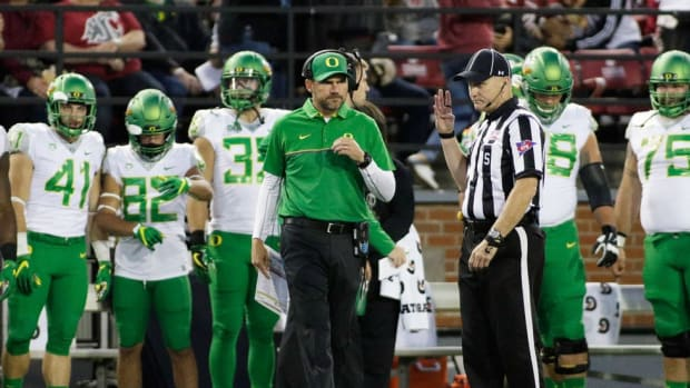 When to Pull the Plug: LSU decided, now Texas and Oregon face tough choices with flailing programs; Punt, Pass & Pork