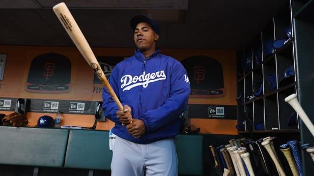 Dodgers suspend SS Erisbel Arrubarrena for rest of season--IMAGE