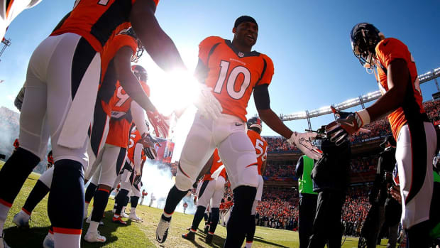 Broncos WR Emmanuel Sanders agrees to new deal IMAGE