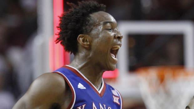 Kansas ends Oklahoma's winning streak - IMAGE