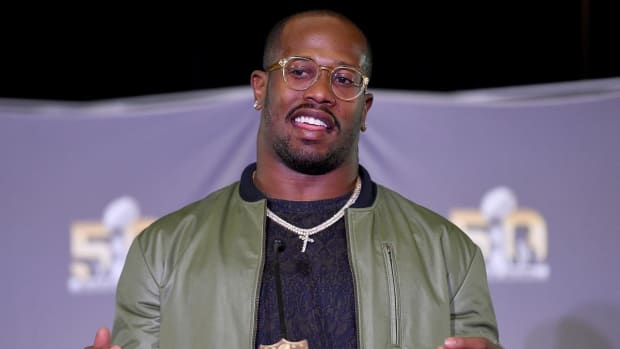 Von Miller could sit out 2016 season - IMAGE