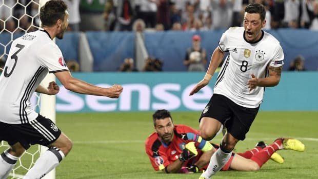 Germany defeats Italy in penalties to advance to Euro 2016 Semifinals --IMAGE