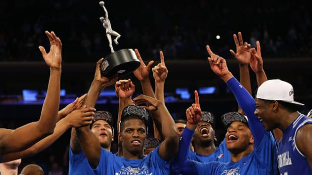 isaiah-whitehead-seton-hall-big-east-trophy-630.jpg