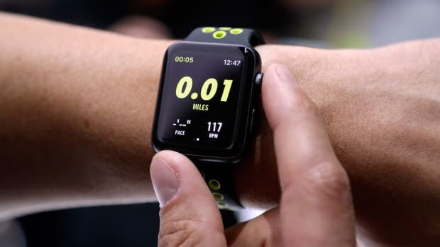 apple-watch-series-2-nike-1300.jpg