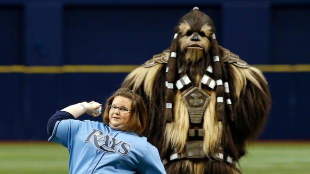 chewbacca-mom-video-rays-first-pitch.jpg
