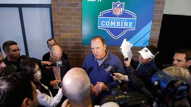 mike-mularkey-tennessee-titans-nfl-combine.jpg