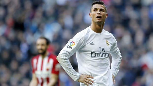 cristiano-ronaldo-real-madrid-teammates.jpg