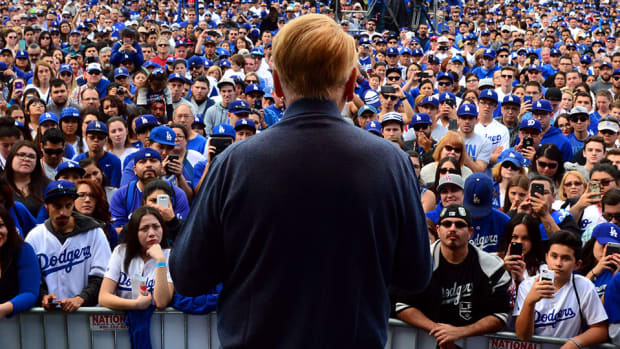 vin-scully-dodgers-lead.jpg