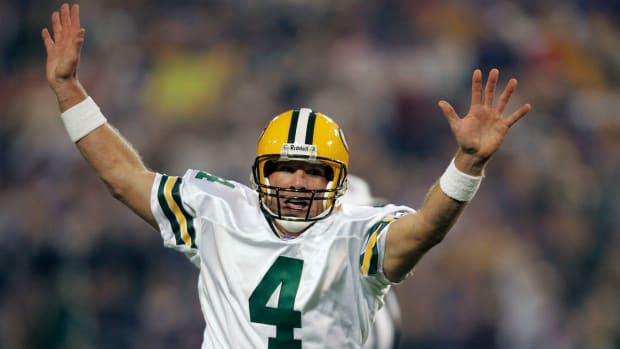 brett-favre-top-10-moments.jpg