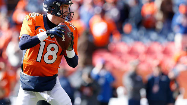 peyton-manning-denver-broncos-touchdown-pass-owen-daniels.jpg