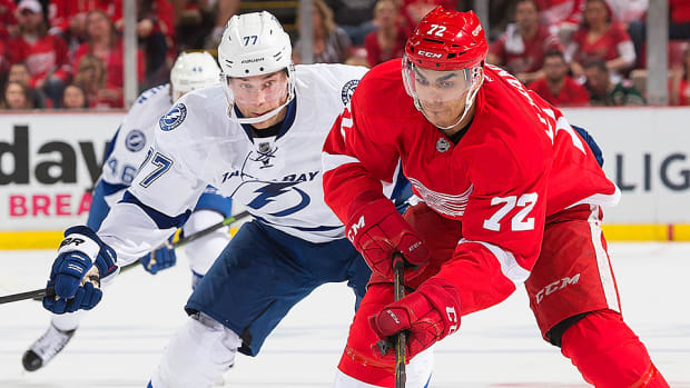 stanley-cup-playoffs-red-wings-beat-lightning-game-3.jpg