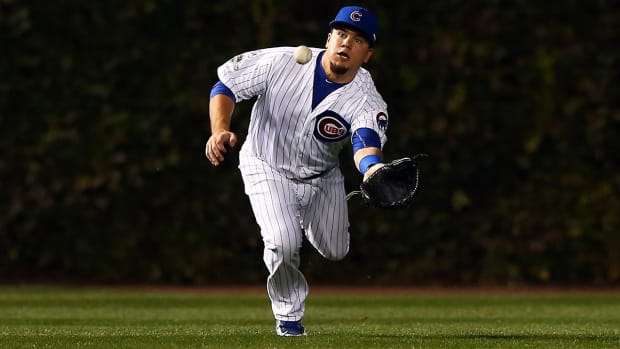Cubs' Kyle Schwarber not cleared to play outfield - IMAGE