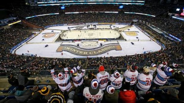 Canadiens top Bruins 5-1 in Winter Classic -- IMAGE