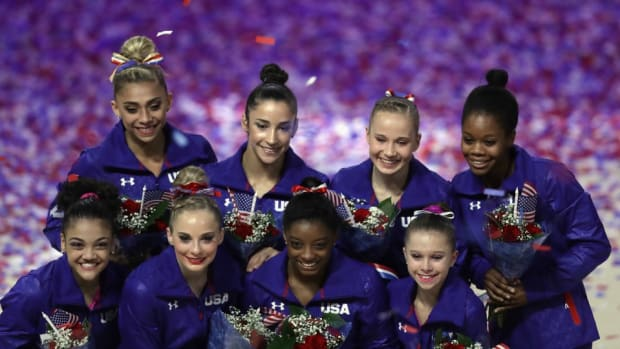 simone-biles-aly-raisman-dancing-video-us-gymnastics.jpg