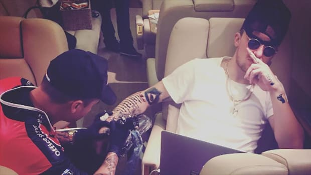 Johnny Manziel got a tattoo while on a jet--IMAGE