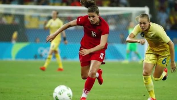 Germany holds off Sweden to claim women's soccer gold -- IMAGE