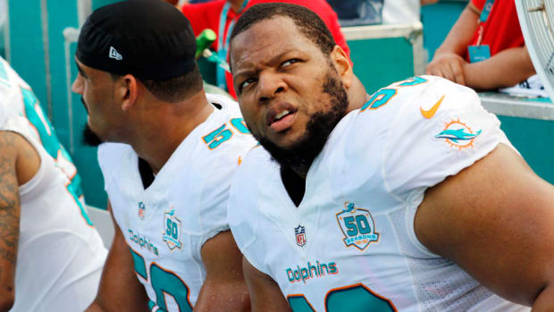 ndamukong-suh-adam-gase-dolphins-comments.jpg