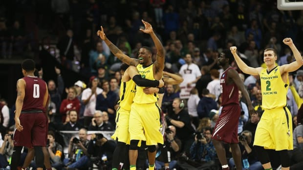 As St. Joseph's and Duke have learned, Oregon winning with lethal combination of strength, size and speed