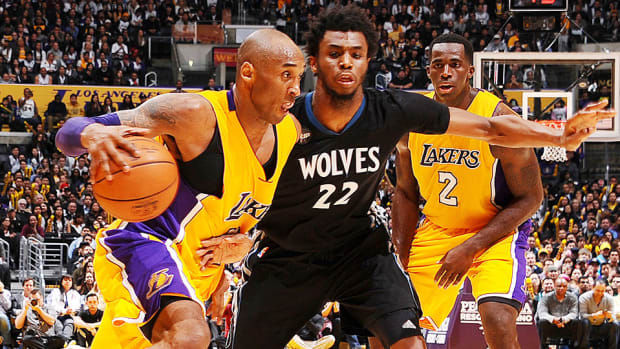 los-angeles-lakers-minnesota-timberwolves-kobe-bryant-vintage-performance.jpg