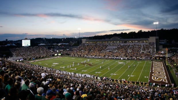 Report: Two Western Michigan players in custody, allegedly held up student--IMAGE