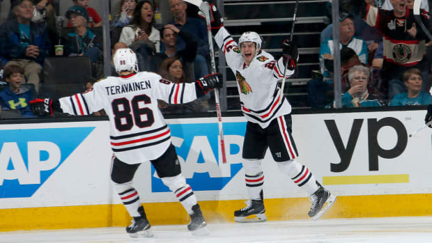 blackhawks-hurricanes-trade-teuvo-teravainen.jpg