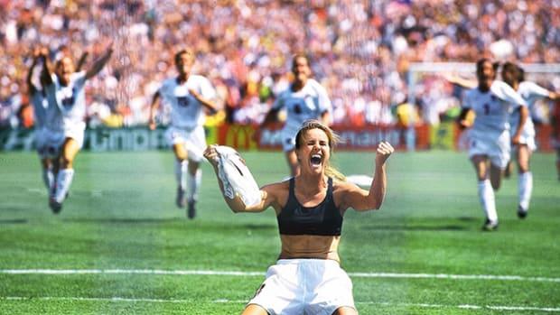 brandi-chastain-usa-1999-world-cup-top-10.jpeg