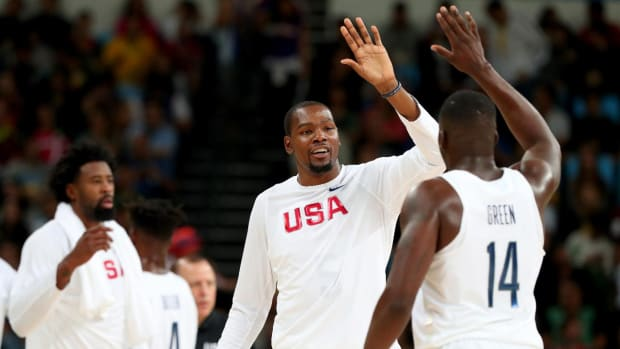U.S. men's basketball hold off Serbia by 3 points--IMAGE