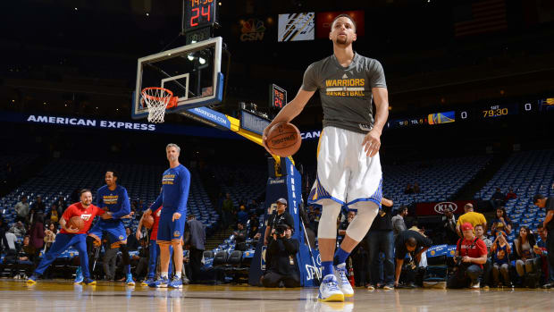 stephen-curry-kid-warriors-dribbling-video.jpg