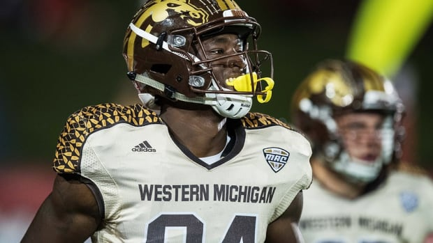 Western Michigan's Corey Davis talks New Year's Six Bowl Hype, PJ Fleck's dance moves and 'Row The Boat'