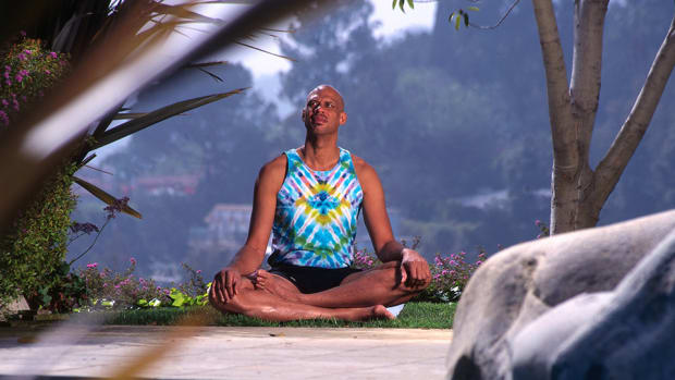kareem-abdul-jabbar-get-healthy-2016-yoga-mental-training-960.jpg