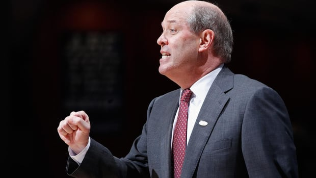 Pittsburgh hires Kevin Stallings as next coach -- IMAGE