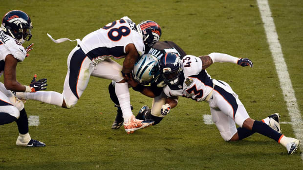 Broncos win Super Bowl 50 behind dominant defensive performance IMAGE