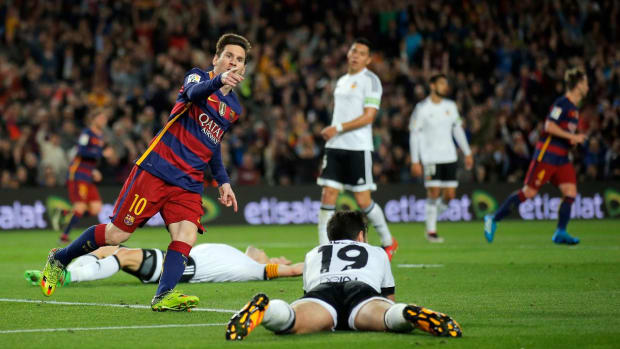 Lionel Messi scores 500th career goal -- IMAGE