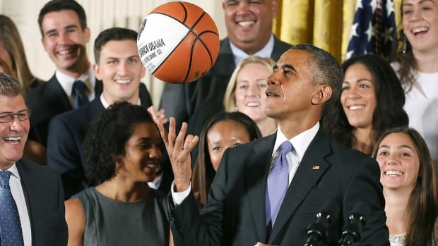 Network Executives discuss hiring President Obama as sports commentator --IMAGE