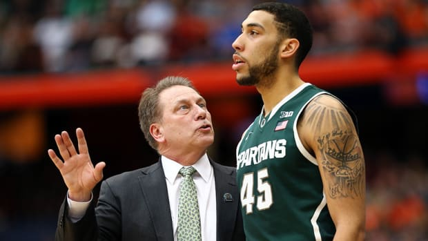 denzel-valentine-tom-izzo-michigan-state-goodbye.jpg