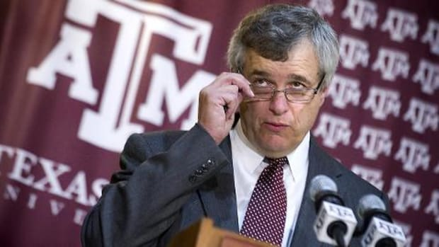 Texas A&M's Eric Hyman steps down as athletic director--IMAGE