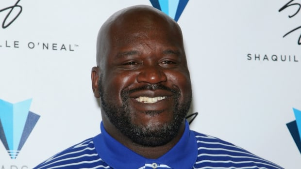 shaquille-oneal-giant-bed-shaq.jpg