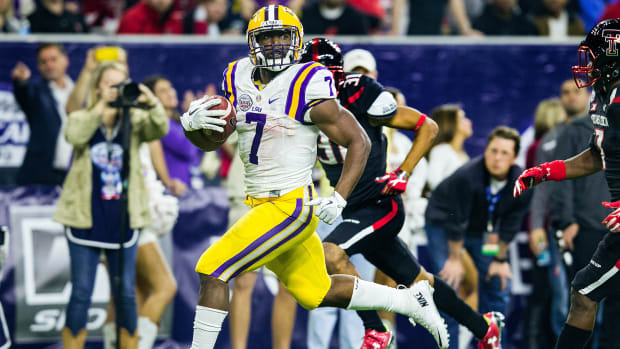 leonard-fournette-squats-405-pounds.jpg