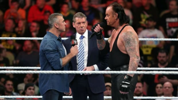 raw-undertaker-shane-mcmahon.jpg