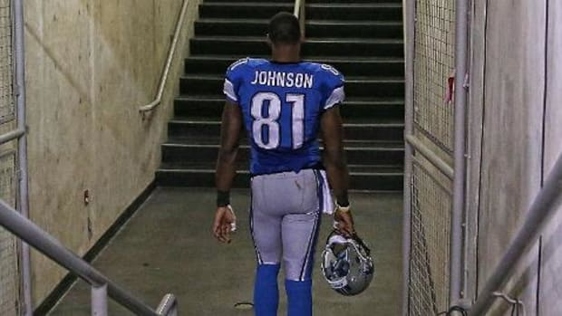 Detroit Lions WR Calvin Johnson considering retirement - IMAGE