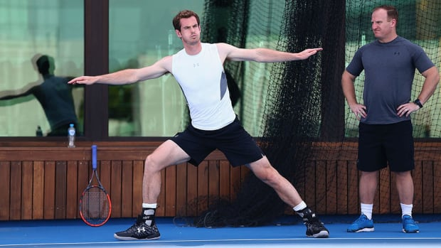 andy-murray-training-stretching-lead.jpg