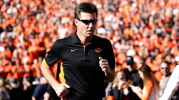 mike-gundy-oklahoma-state-football-app.jpg